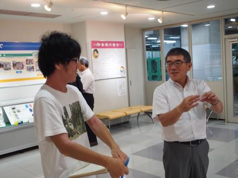 愛知教育大学の学生と新聞社見学